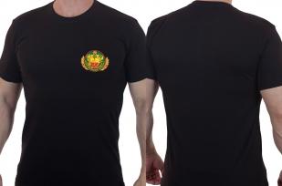 Серьезная футболка с эмблемой Пограничных войск.