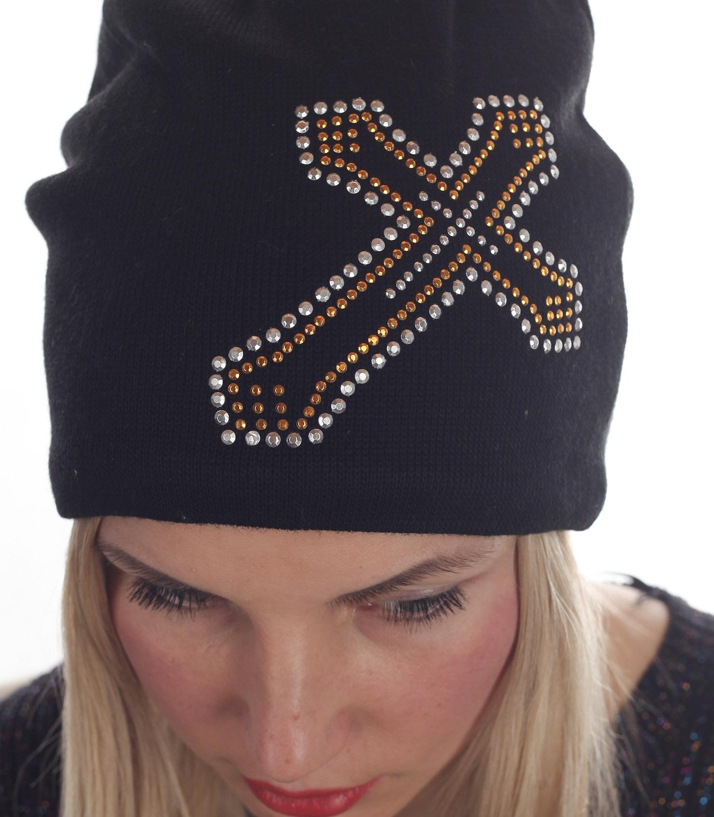 Гладкая женская шапка с флисом – стильный элемент гранжевой субкультуры. Модель, без которой не обходится ни одни модный показ. Выбирая фасон бини, ты равняешься на ЗВЁЗД