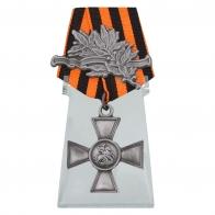 Георгиевский крест 4 степени с лавровой ветвью на подставке