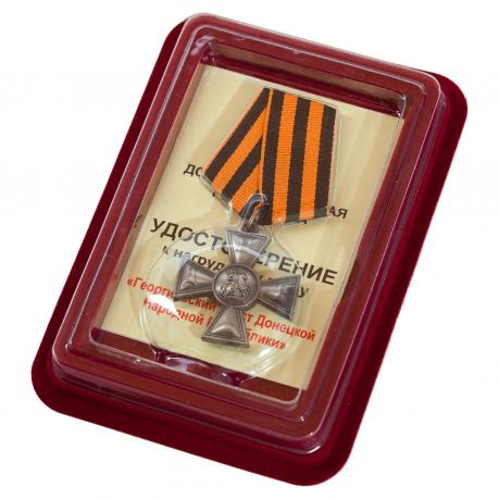 Георгиевский крест ДНР в футляре из флока бордового цвета