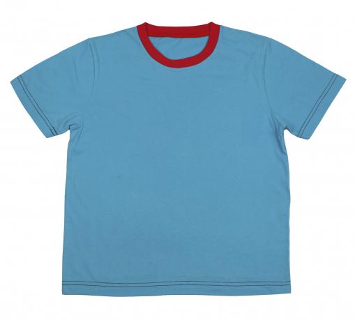 Голубая футболка с красным воротом из 100% хлопка
