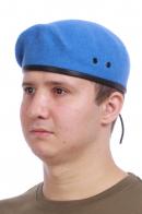 Голубой берет десантника