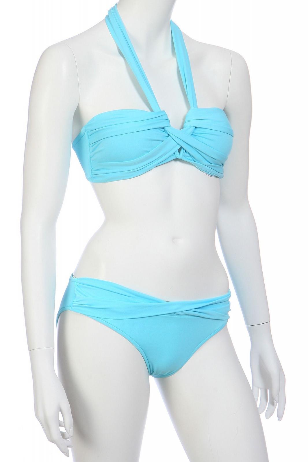 Голубой купальник для девушки
