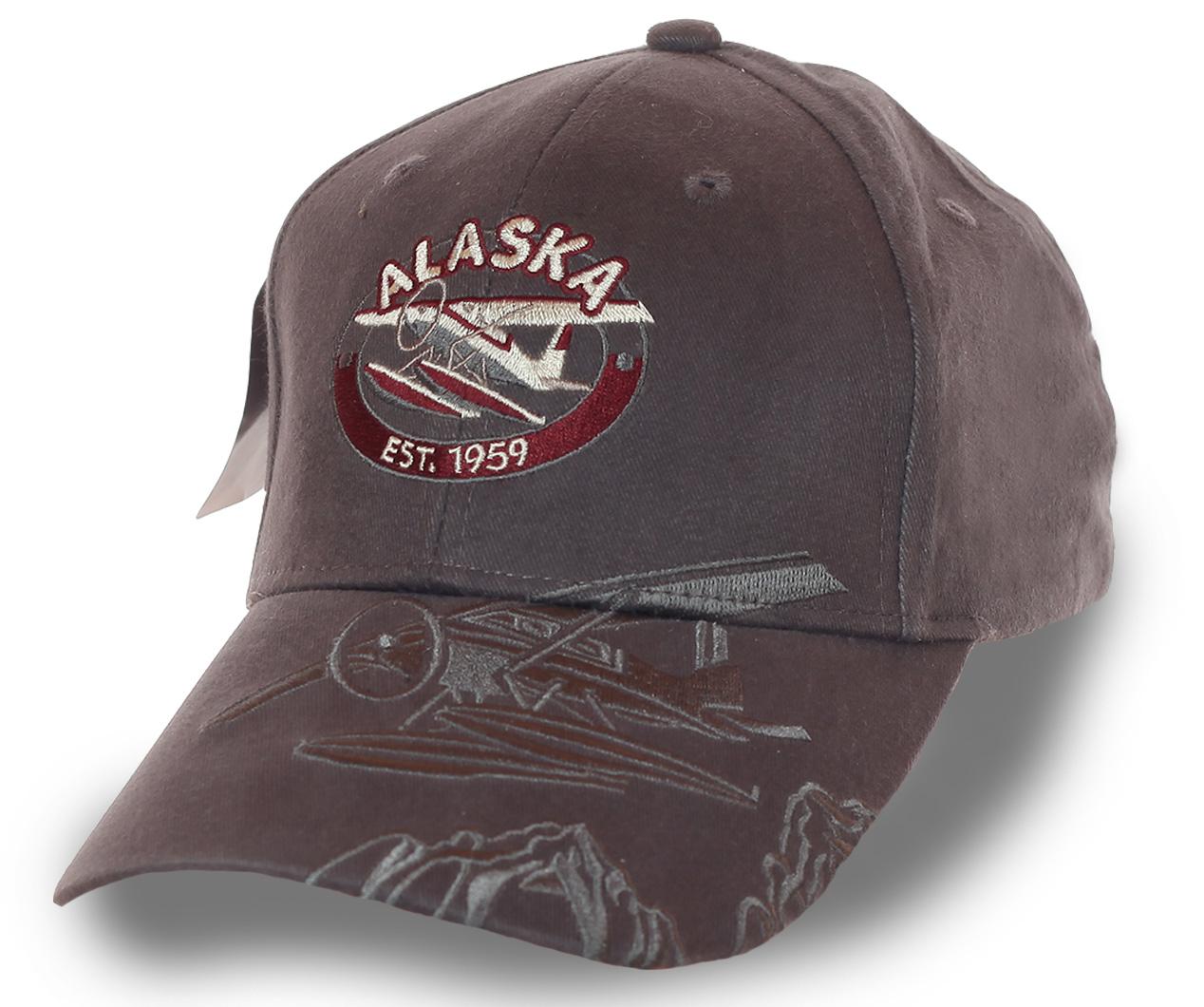 Графитовая бейсболка с объемным принтом самого сурового штата Alaska 1959 – профессиональная машинная вышивка, мужские цвета, оригинальное оформление козырька