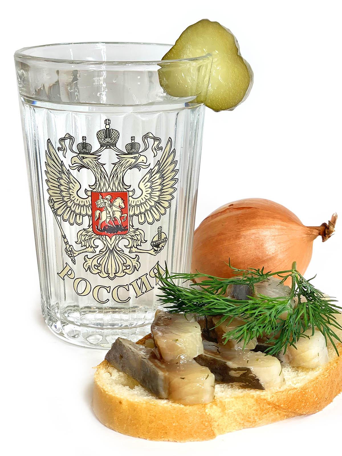 Купить на подарок мужчине красивый стакан с гербом России