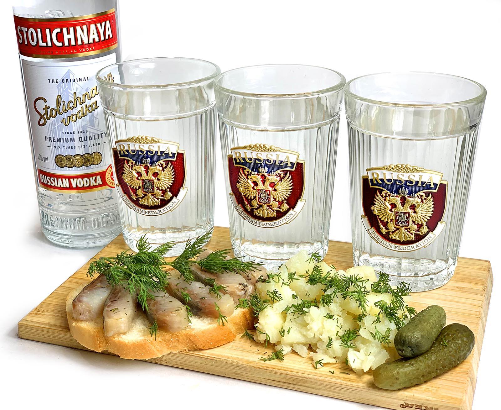 Заказать в военторге подарок патриоту – комплект граненых стаканов Россия