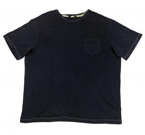 Хлопковая мужская футболка с карманом. Удобство и практичность