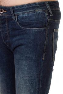 Иссиня-черные мужские джинсы из линейки Armani Jeans.