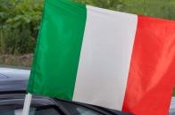 Итальянский флаг на машину