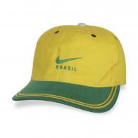 Яркая бейсболка Brasil.