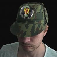 Камуфлированная крутая кепка с термонаклейкой Охотничьи Войска