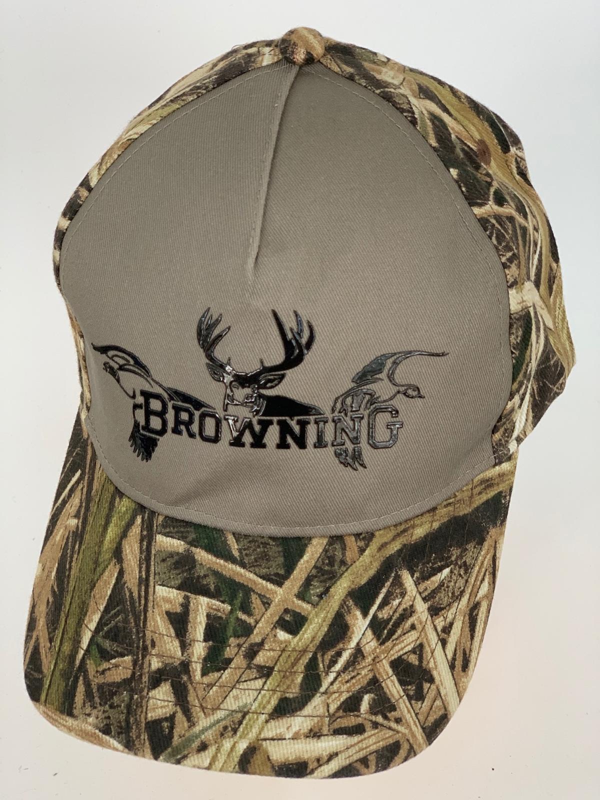 Камуфляжная бейсболка Browning с серо-бежевой тульей