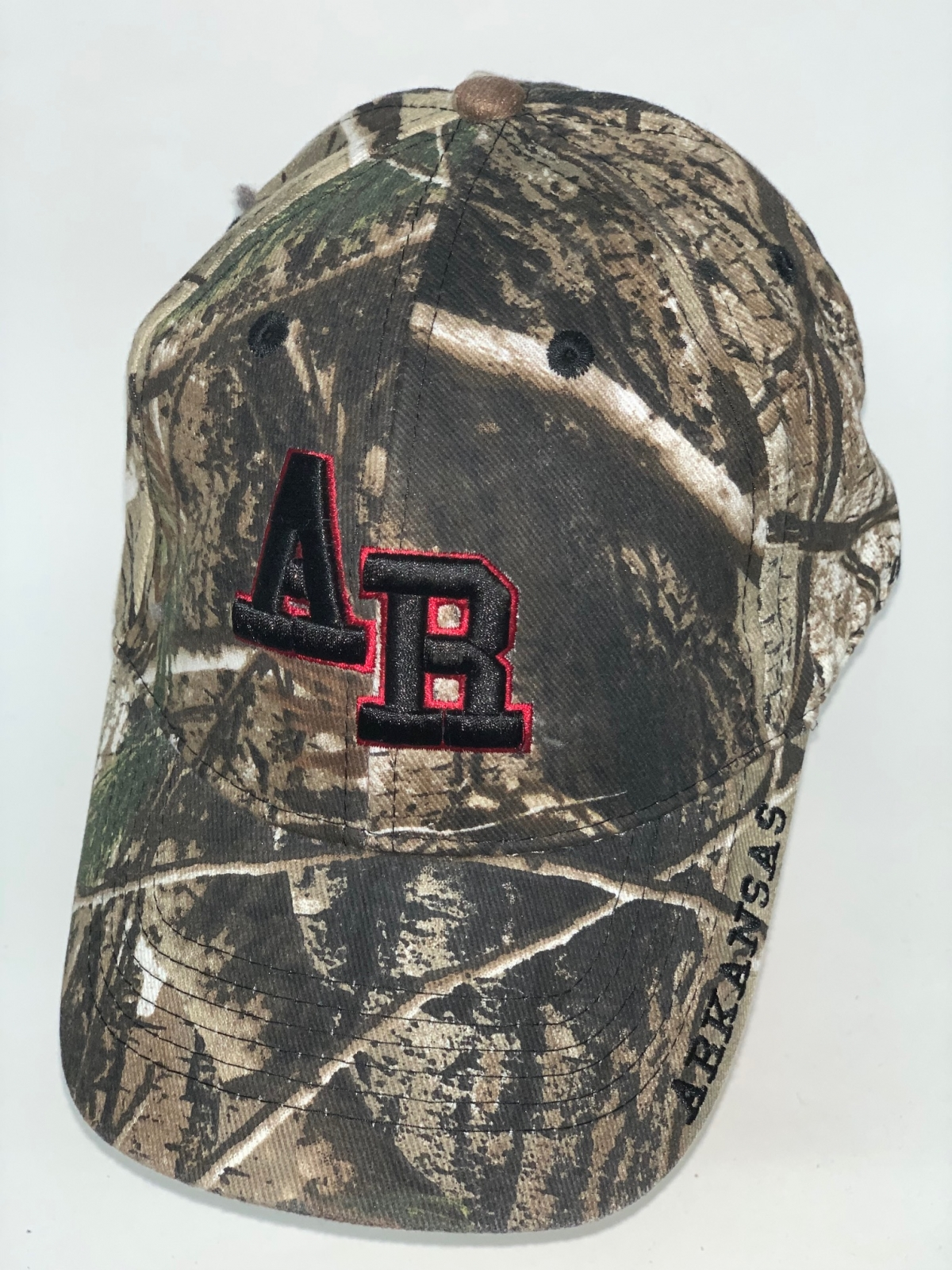Камуфляжная бейсболка с вышивкой Arkansas