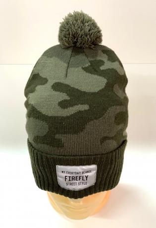 Камуфляжная шапка с помпоном