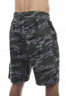 Камуфляжные серо-зеленые шорты с нашивкой Погранвойска - заказать оптом
