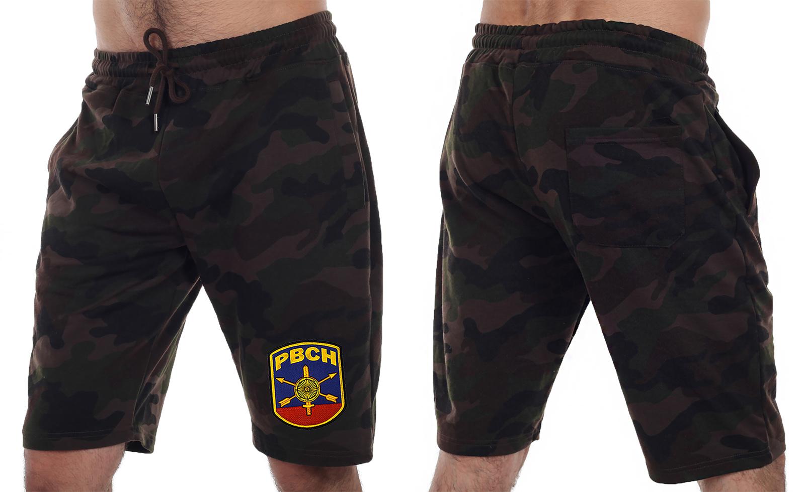 Камуфляжные шорты удлиненного кроя с нашивкой РВСН - заказать в подарок