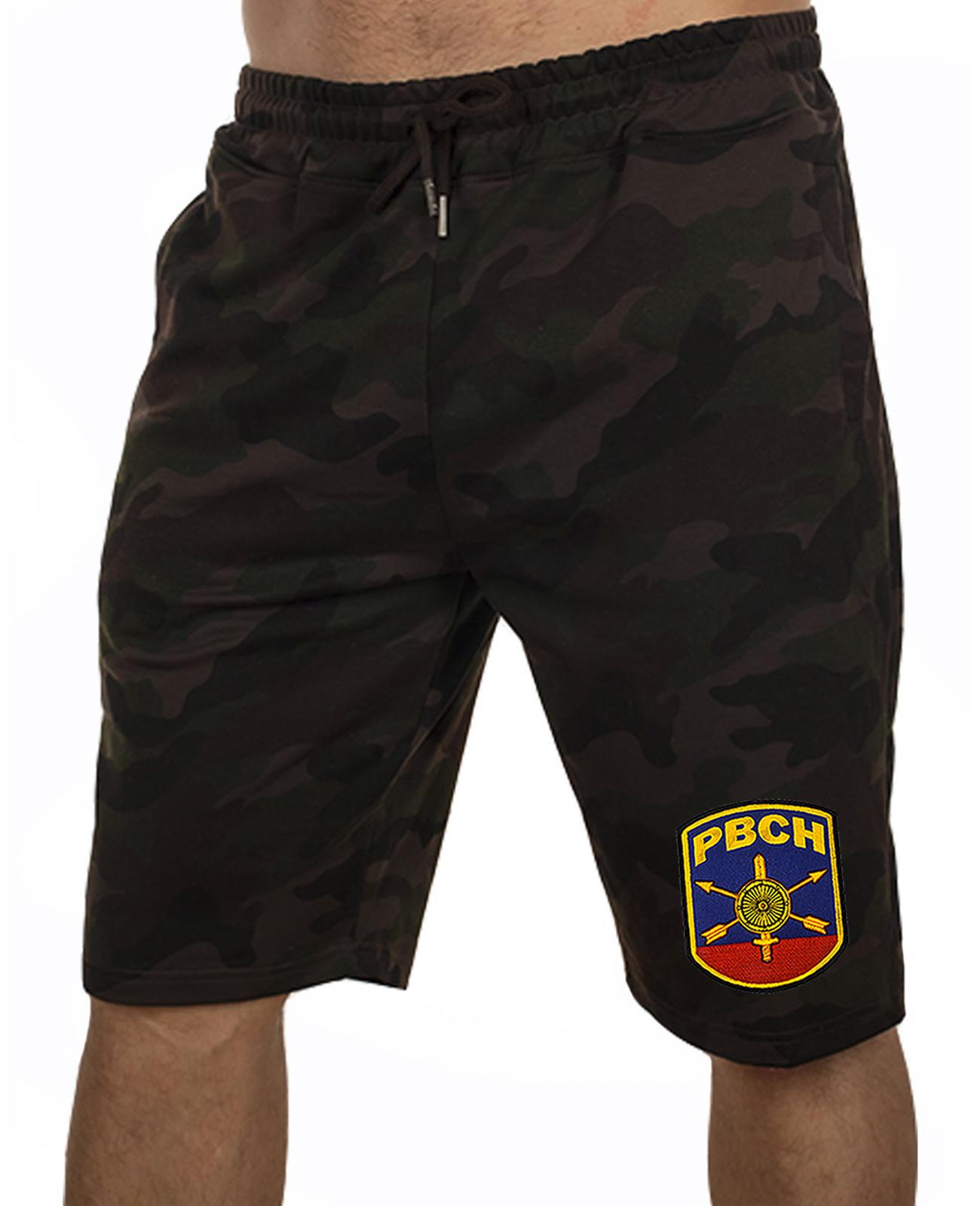 Купить камуфляжные темные шорты с нашивкой РВСН выгодно оптом