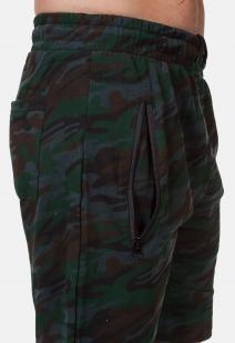 Камуфляжные удлиненные шорты с нашивкой ПОЛИЦИЯ - купить в розницу
