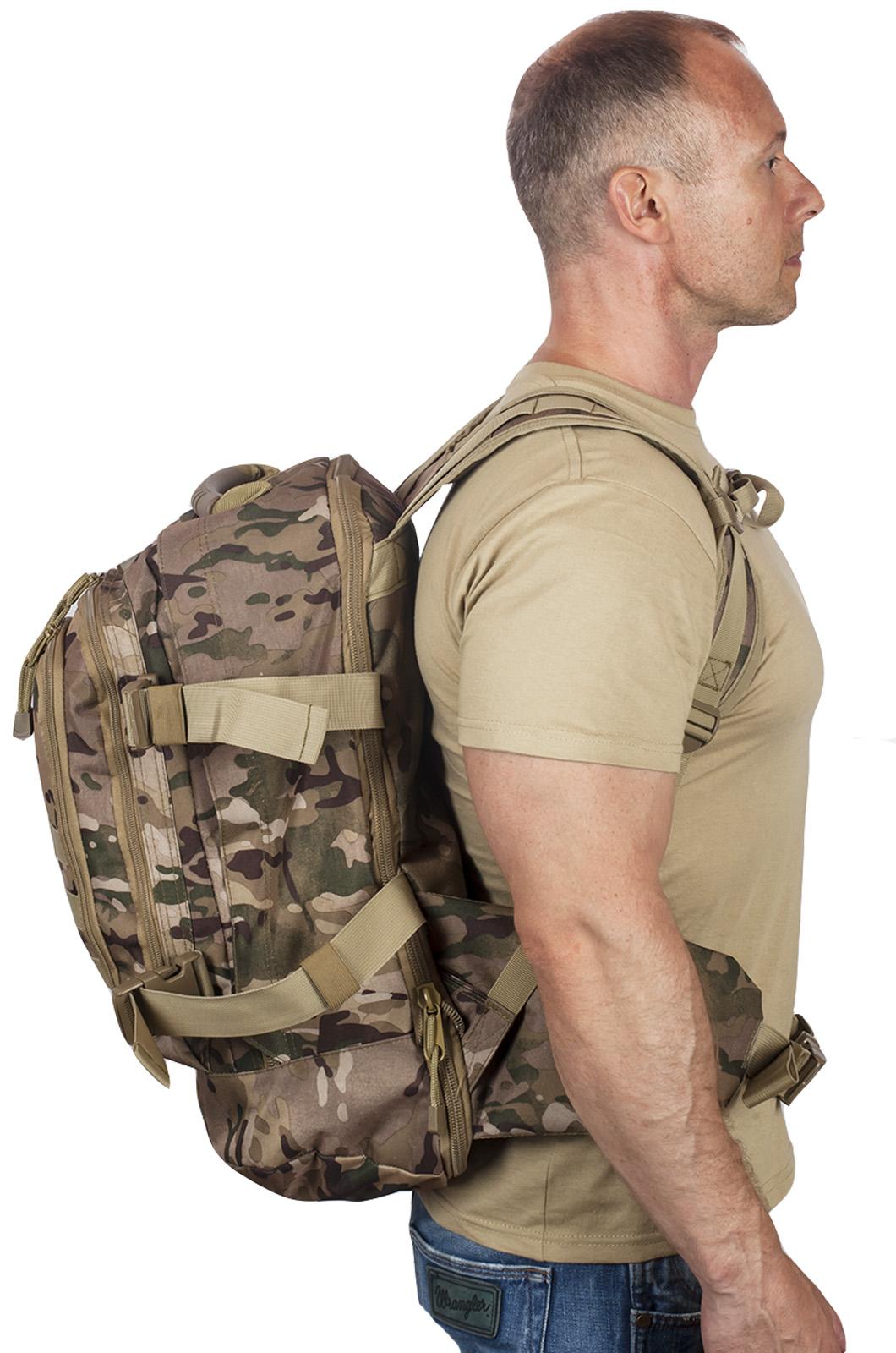Камуфляжный тактический рюкзак с шевроном Охотничьего спецназа купить онлайн