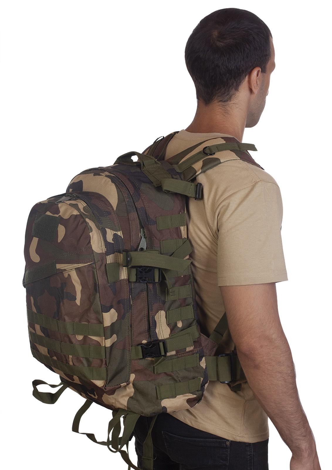Камуфляжный рюкзак расцветки Woodland - купить онлайн