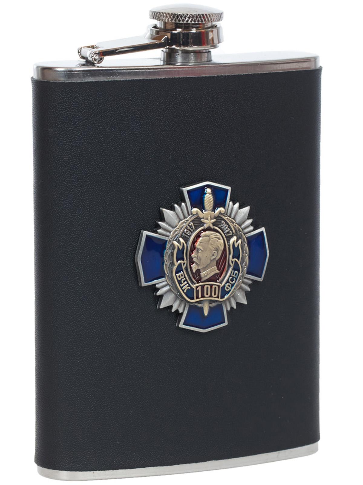 Заказать карманную фляжку ФСБ (обтянутая кожей, металлическая накладка)