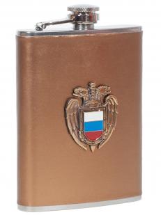 Заказать карманную фляжку с жетоном ФСО России (обтянутая кожей)