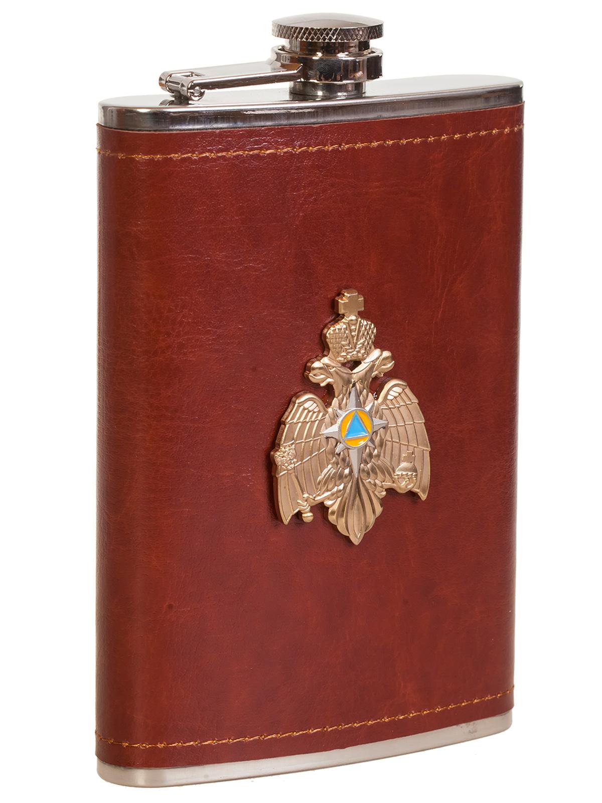 Купить карманную фляжку в кожаном чехле с металлической накладкой МЧС выгодно с доставкой