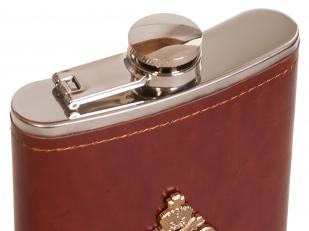 Карманная фляжка в кожаном чехле с металлической накладкой МЧС - купить онлайн