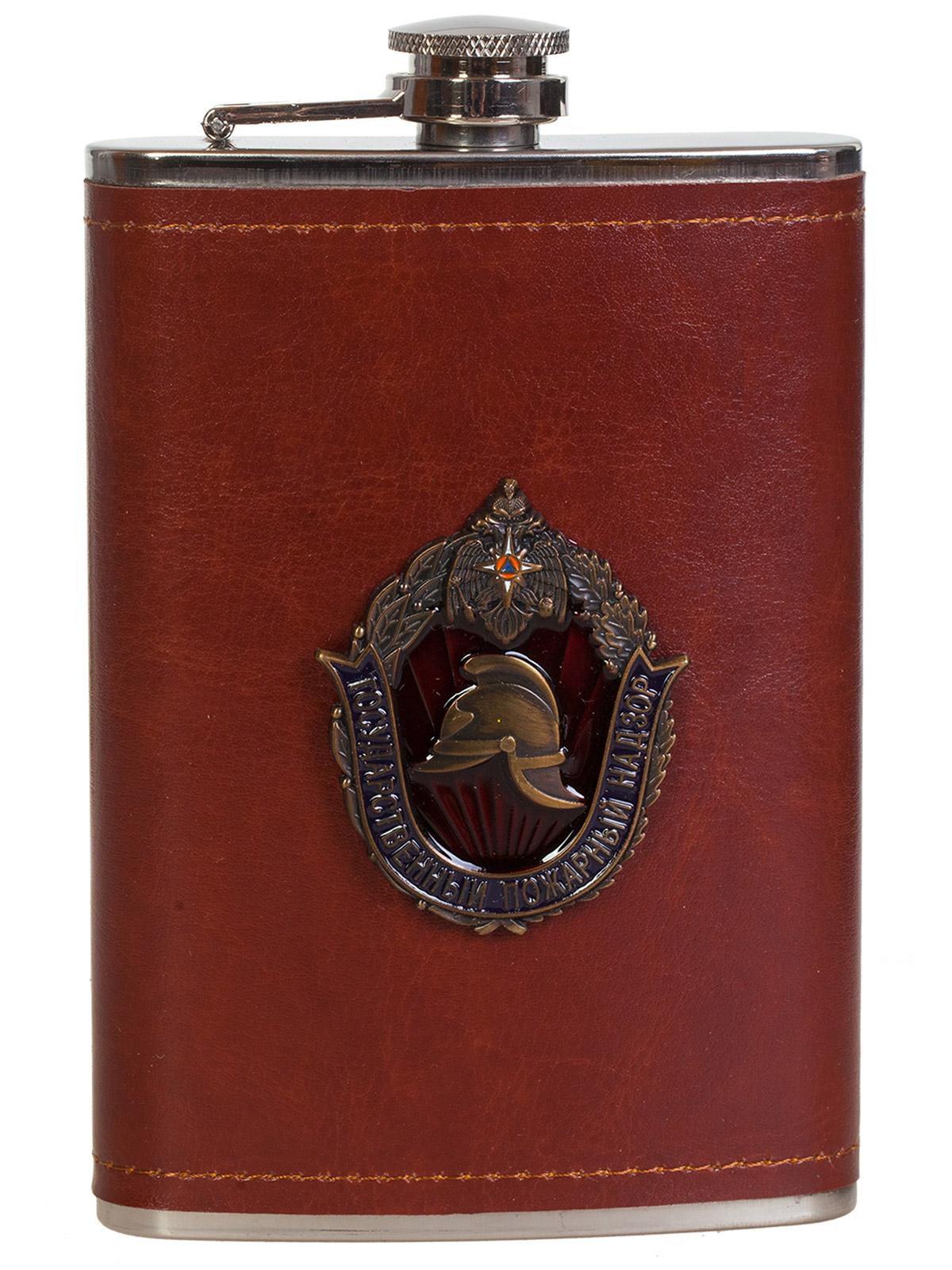 Карманная фляжка в кожаном чехле с накладкой МЧС