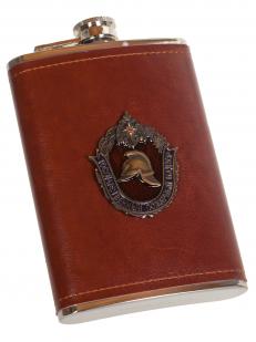 Карманная фляжка в кожаном чехле с накладкой МЧС - купить по низкой цене