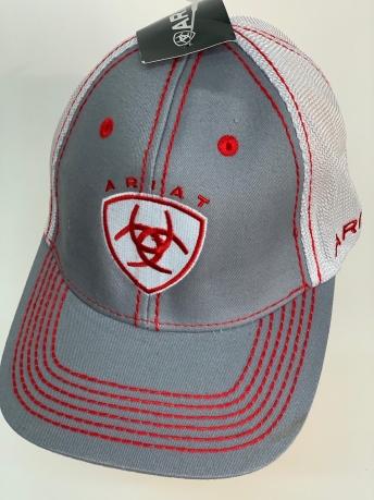 Кепка Ariat серого цвета с красными строчками и сеткой