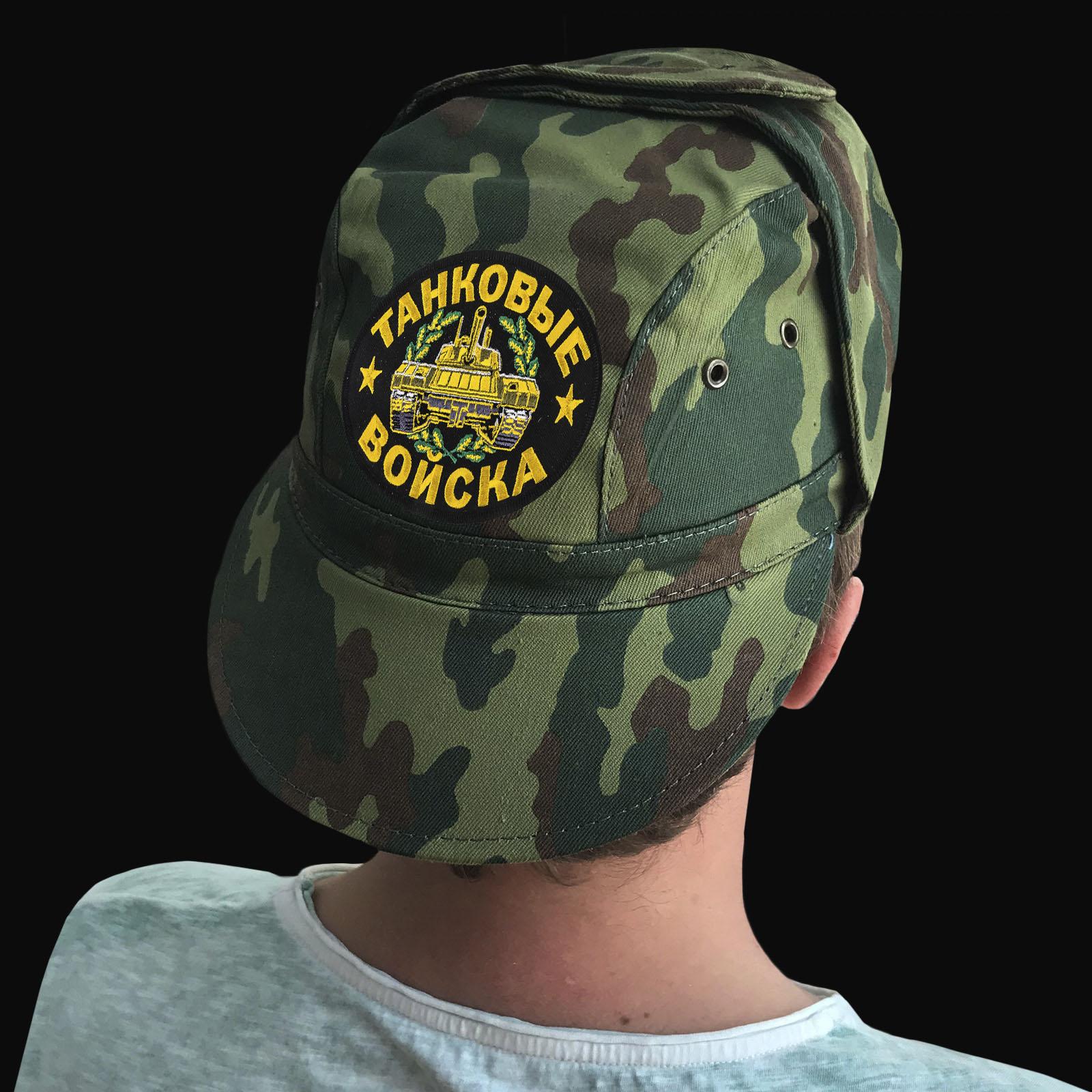 Заказать на подарок танкисту камуфляжную кепку с шевроном