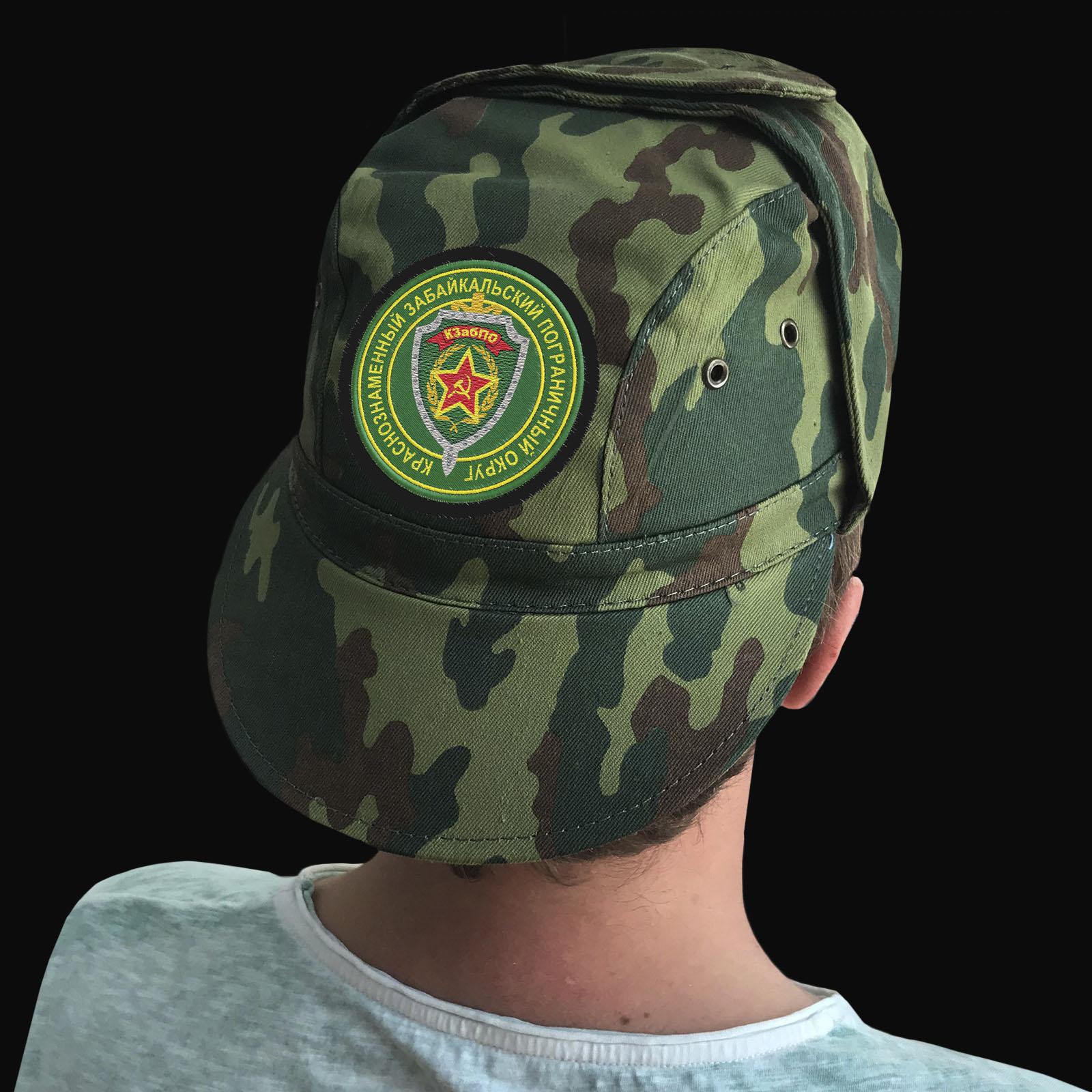 Качественная мужская кепка с вышитым шевроном КЗабПО