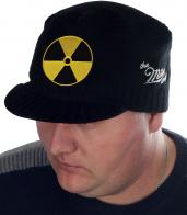 Мужская вязаная кепка Miller Way в неформальном дизайне РАДИАЦИЯ. Удобная посадка, мягкая пряжа, подходящая плотность на осень-зиму. Хватит комплексовать в старой шапке