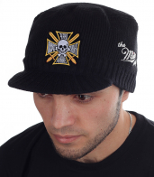 Чёрная шапка-кепка Miller Way с золочёным крестом казачьего генерала Бакланова. Недорогой головной убор, с которого начинается мужской осенне-зимний стиль