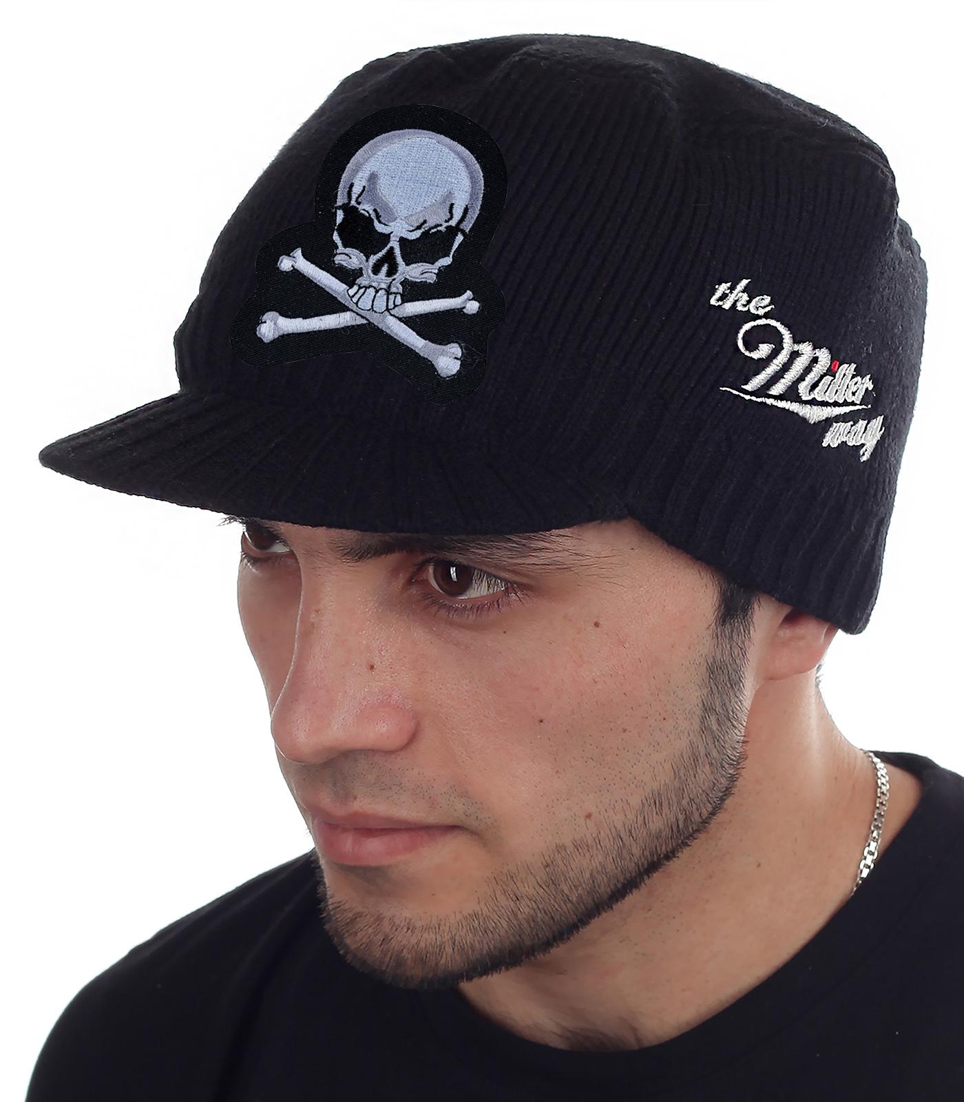 Мужская однотонная кепка Miller Way с авторской нашивкой Весёлый Роджер. Раскованная осенне-зимняя коллекция для сильной половины человечества. Приходи – забирай или отравим почтой