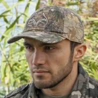 Фирменная кепка охотника в инновационном камуфляже Realtree