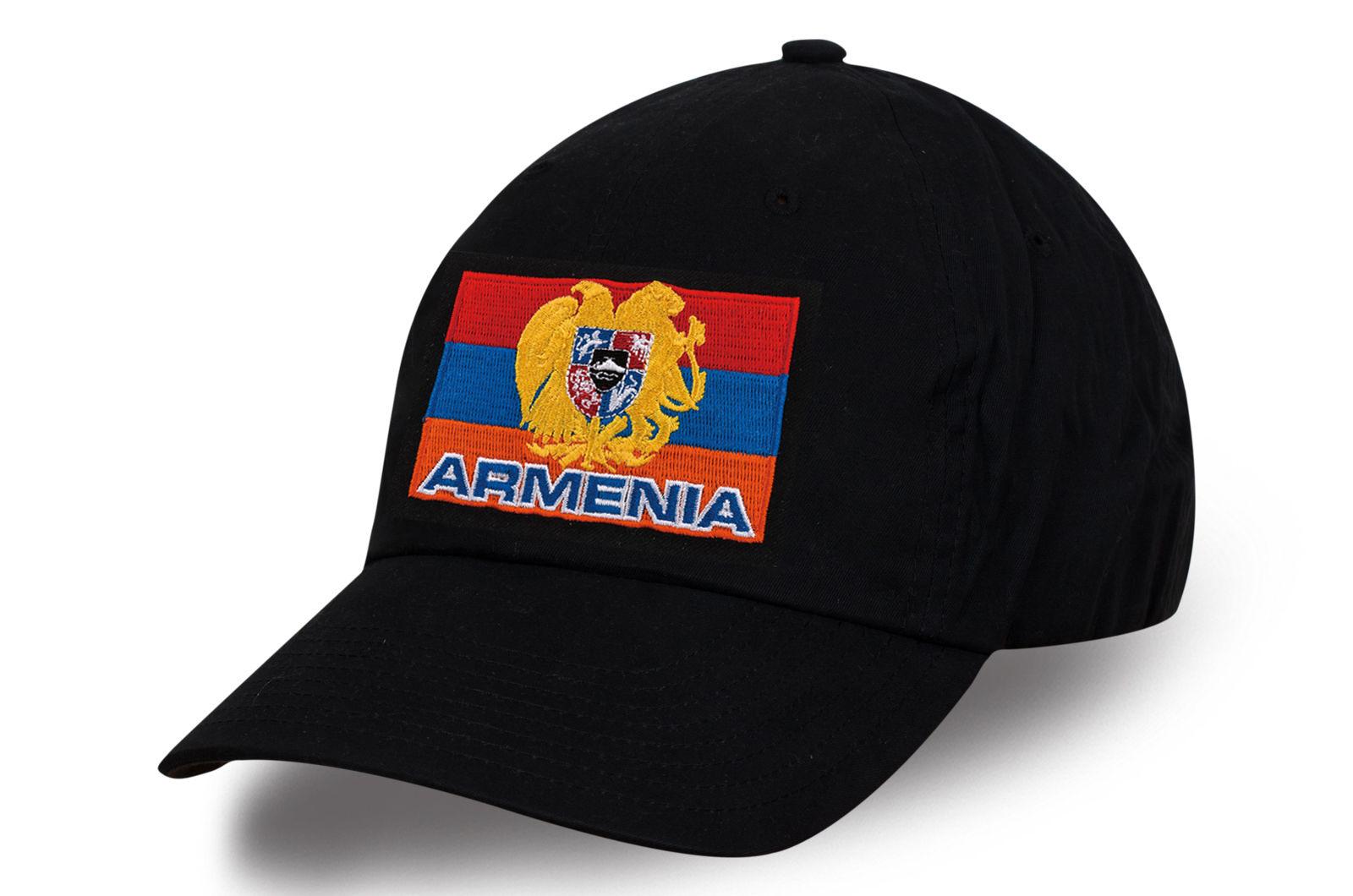 Кепка с армянской вышитой символикой