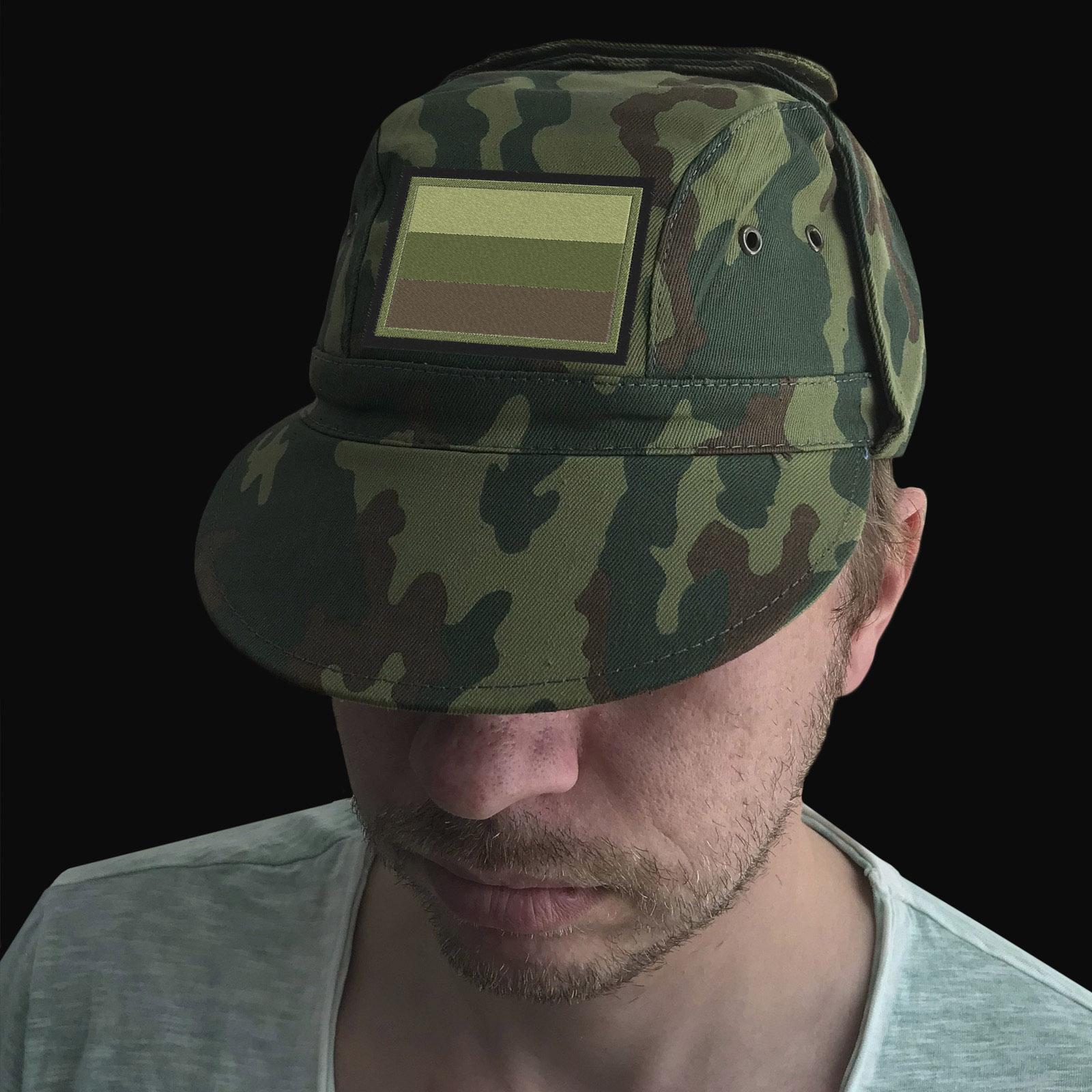 Военная кепка с полевым шевроном России