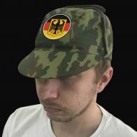 Вышитая военная кепка с национальной символикой Германии.