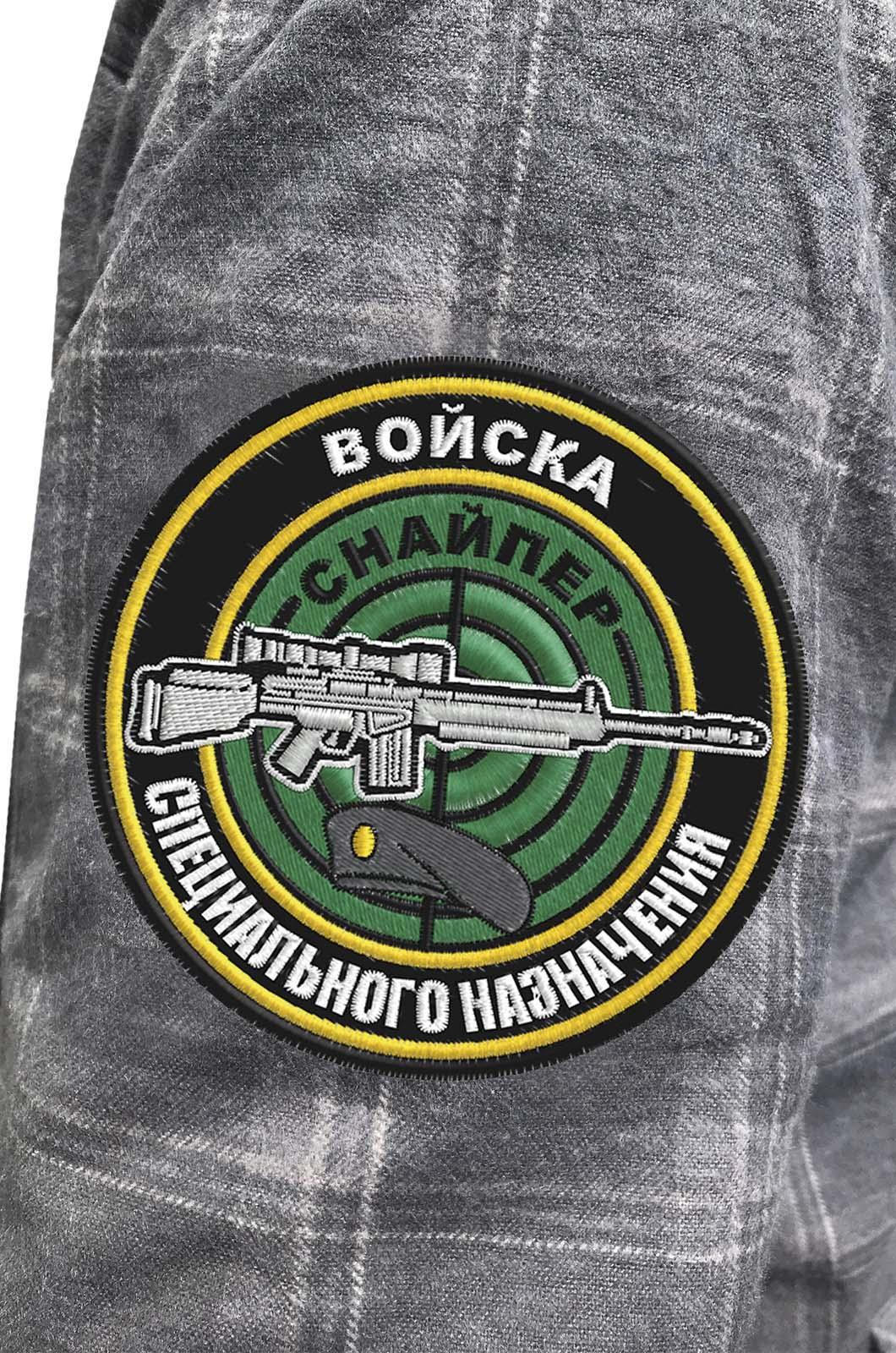 Классическая клетчатая рубашка с вышитым шевроном Снайпер - купить онлайн