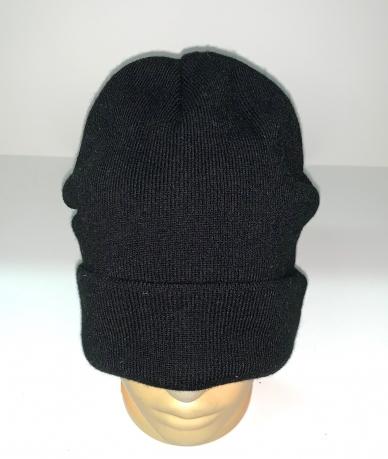 Классическая шапка черного цвета