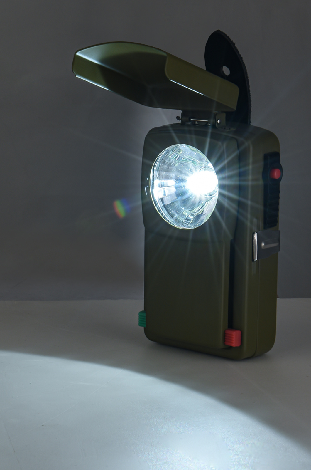 Классический армейский сигнальный фонарь со светофильтрами