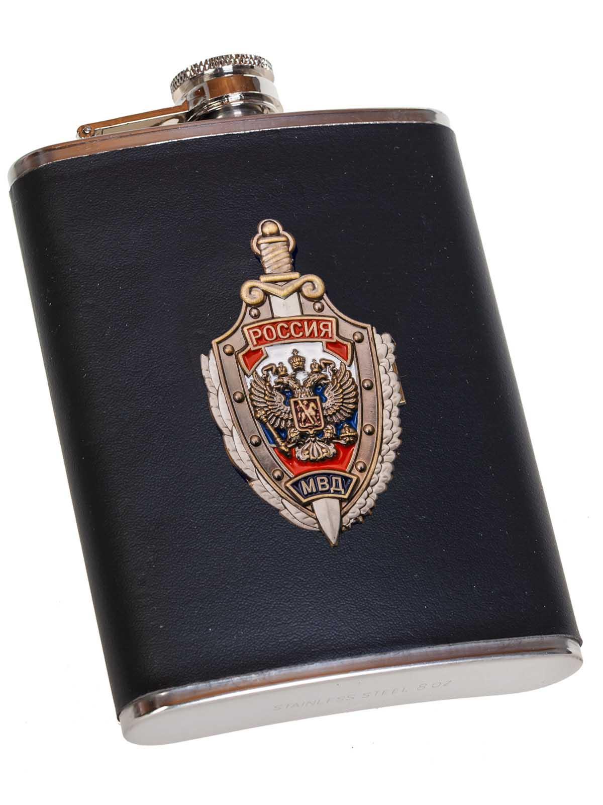 Классная подарочная фляжка сотруднику МВД России в Военпро