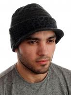 Классная шапка-кепка с козырьком