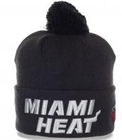 Классная шапочка фаната баскетбольного клуба Miami Heat с помпоном