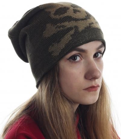 Классная женская шапка с черепом. Популярная модель, в которой тепло и комфортно