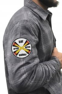 Клетчатая мужская рубашка с вышитым шевроном РВиА - заказать с доставкой