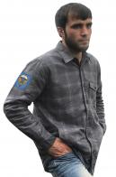 Клетчатая мужская рубашка с вышитым шевроном ВДВ 31 ОДШБр