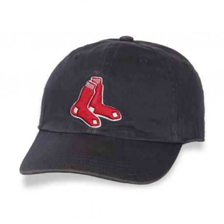 Клубная бейсболка Red Sox.